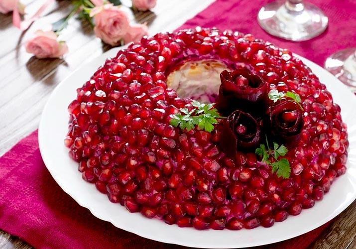 салат Гранатовый браслет с мясом