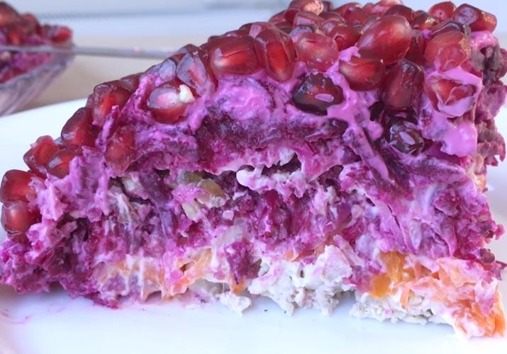 салат Гранатовый браслет с грецкими орехами